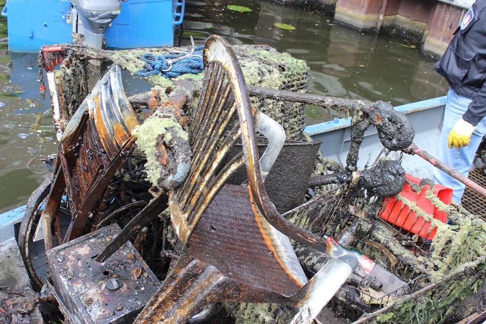 Tauchen Müllboot
